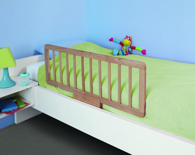 Бортик для кроватки ребенка
