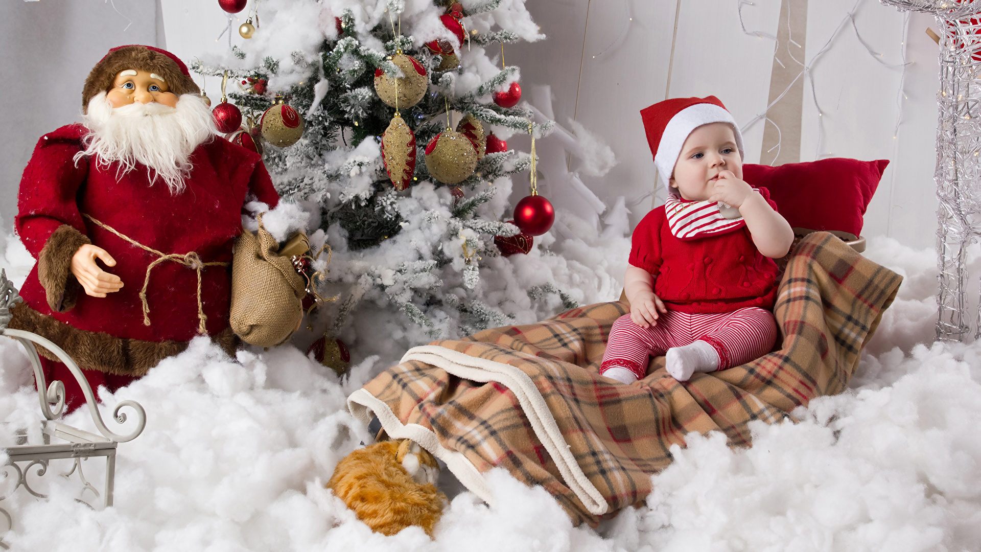 Christmas_Christmas_tree_Santa_Claus_Infants_538739_1920x1080.jpg